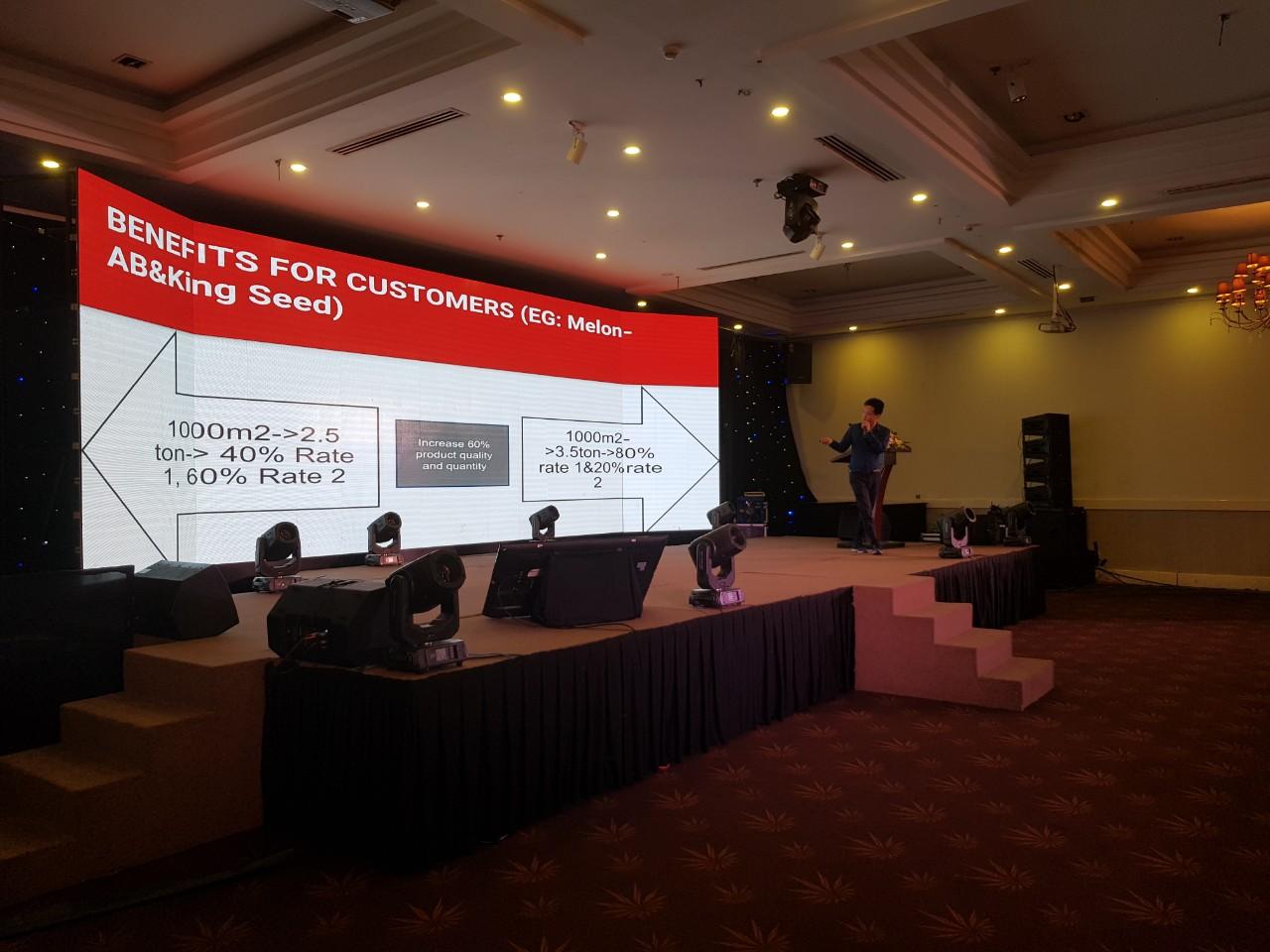 Nextfarm thuyết trình giới thiệu về ứng dụng Nông nghiệp thông minh tại sự kiện Whise