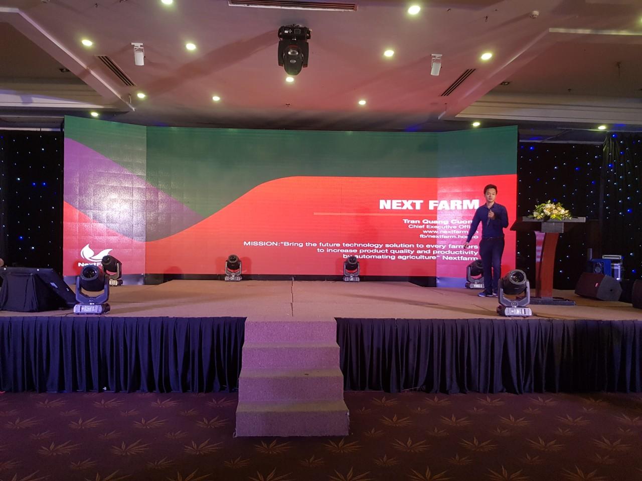 CEO Nông nghiệp thông minh Nextfarm ông Trần Quang Cường giới thiệu về Nextfarm tại hội nghị