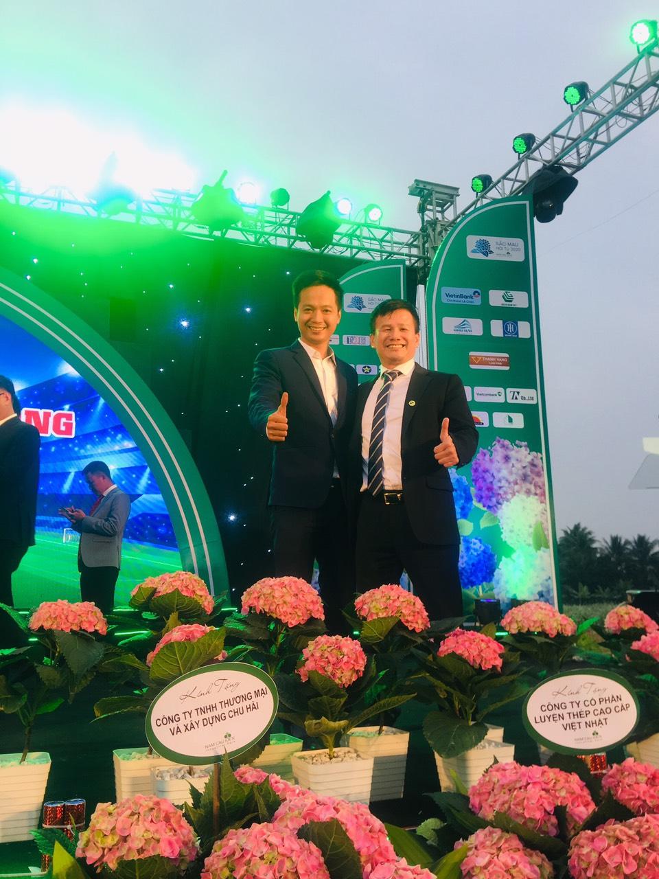 CEO Nextfarm ông Trần Quang Cường và Chủ tịch HĐQT Shinec ông Phạm Hồng Điệp